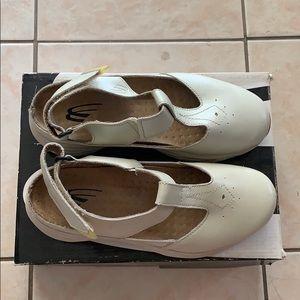 Spira sandals size 7